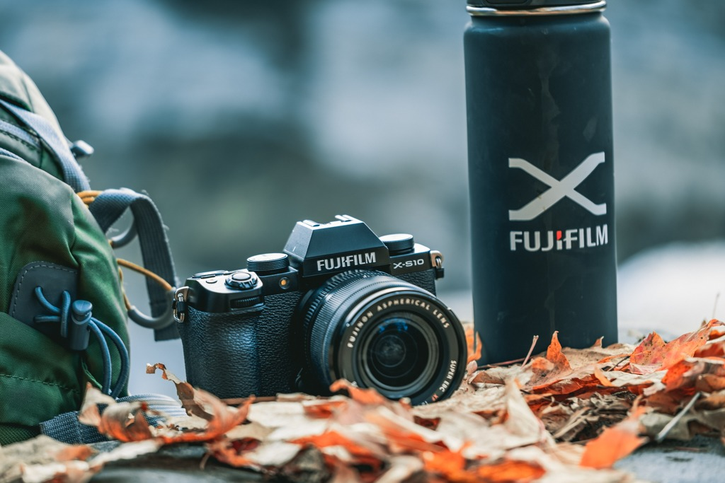 Fujifilm X-S10 - Compact, Comfortable, and Feature Packed - First Look